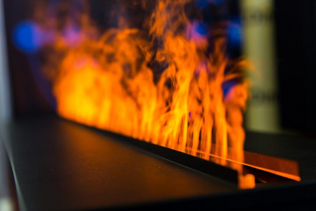 Płomień z kominka gazowego